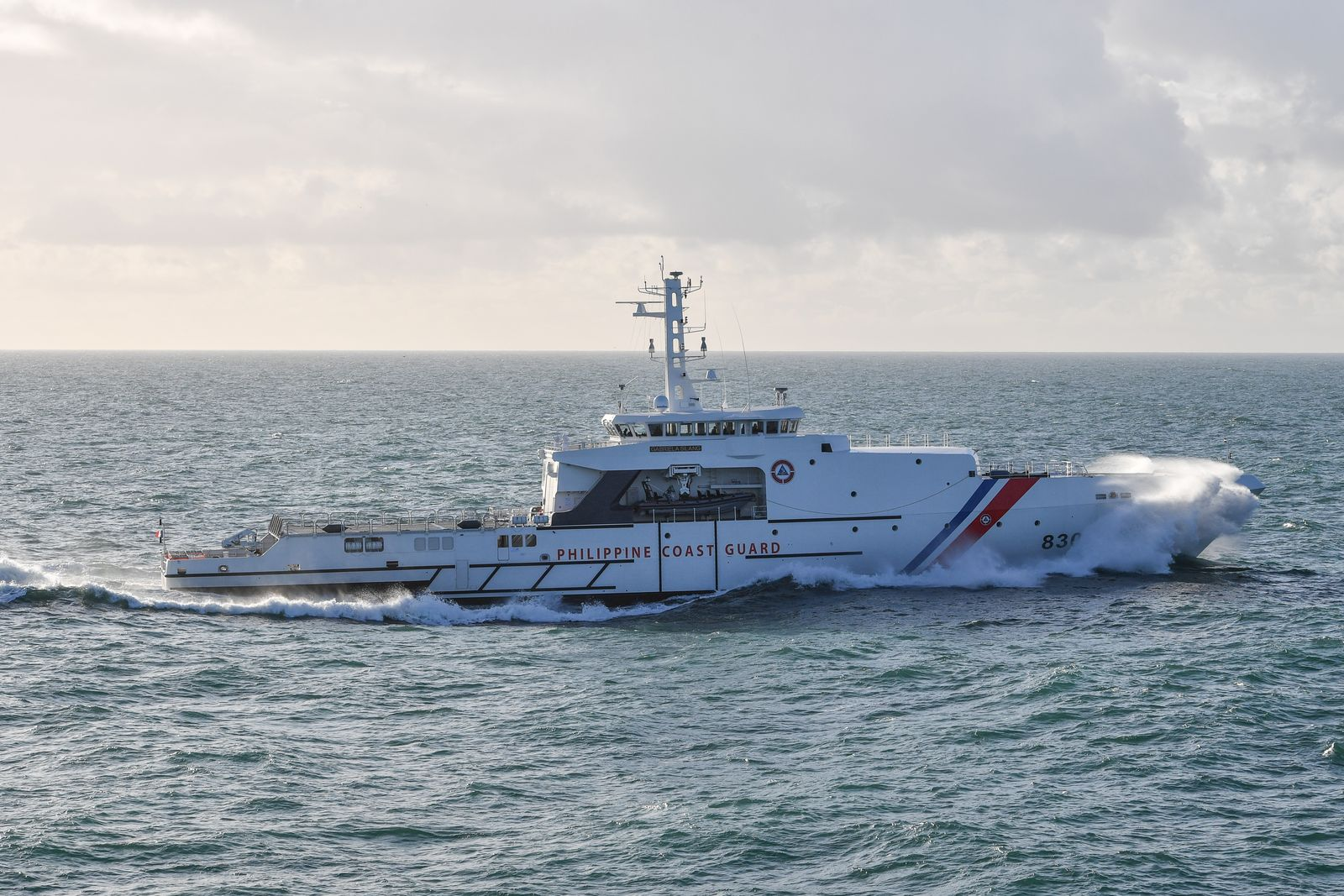 OCEA OPV 270