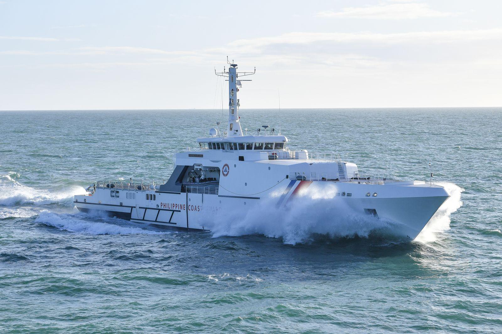 OCEA-opv270_navigation_vue_babord